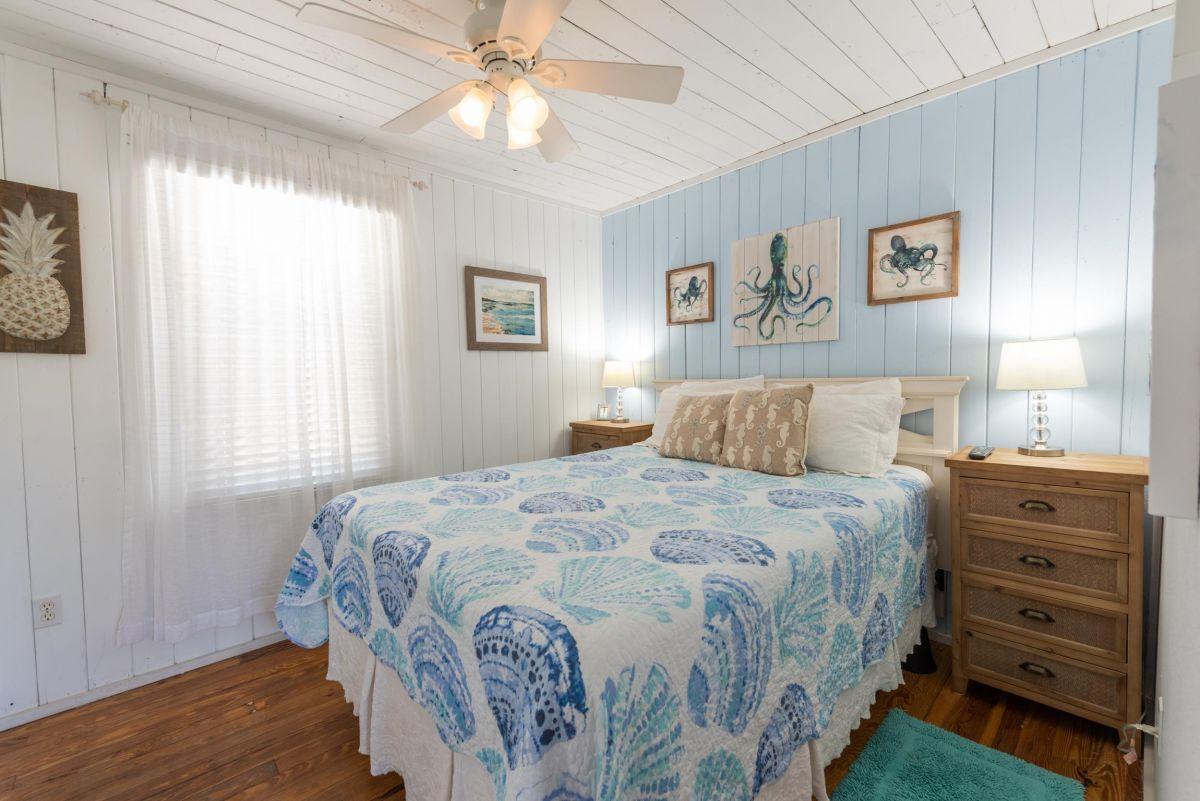 Beach Cottage 107A - lodging anna maria island florida