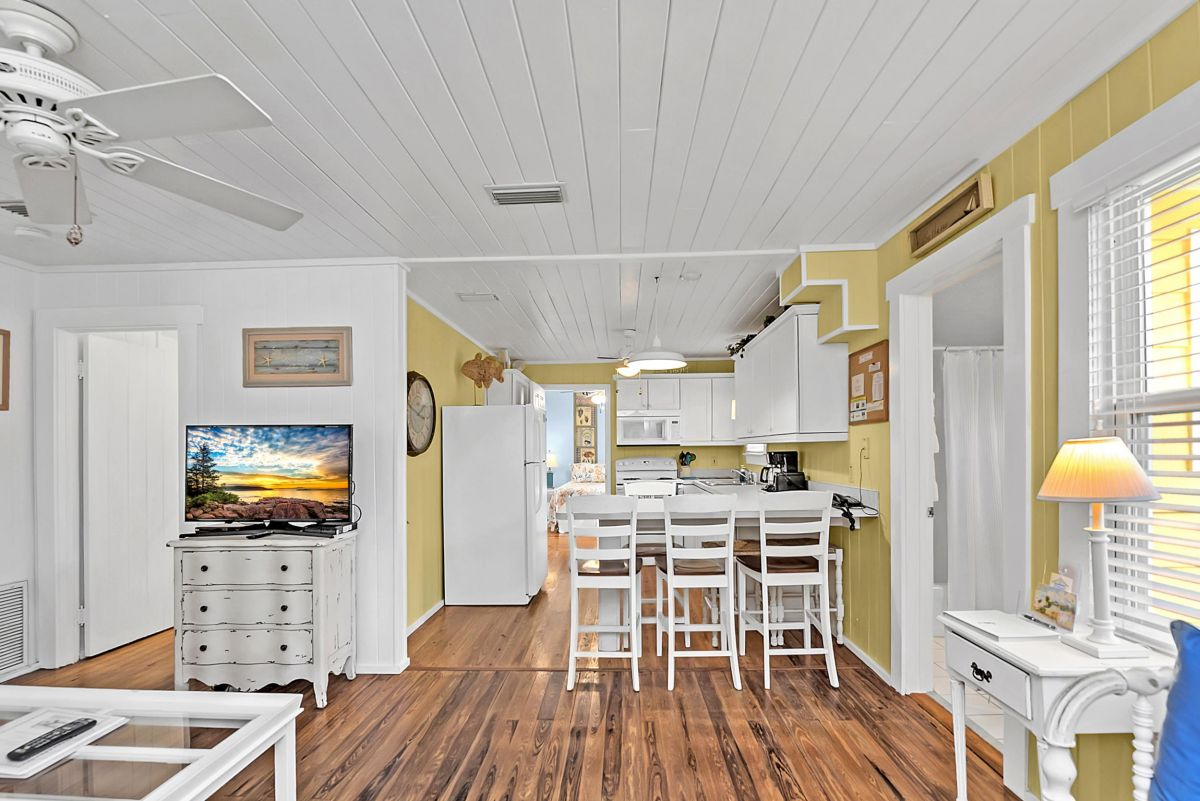Beach Cottage 109 - Book your anna maria island vacation rental
