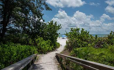 Step to Anna Maria Beach from our beach cottages for rent.
